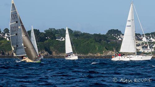 La « Course Des Îles » 2020 Fait (pour L'instant Toujours) étape à Groix !